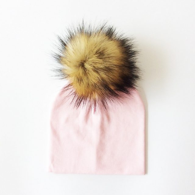 Kid's Hat With Pompon