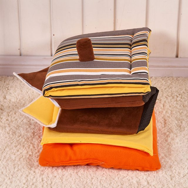 Dog's Cosy House Bed with Mat