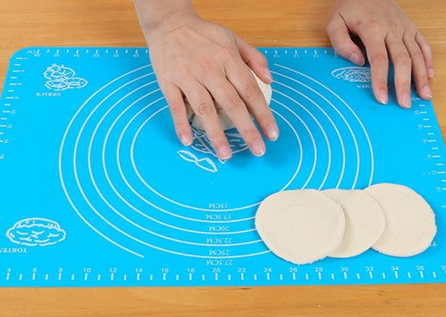 Eco-Friendly Silicone Baking Mats