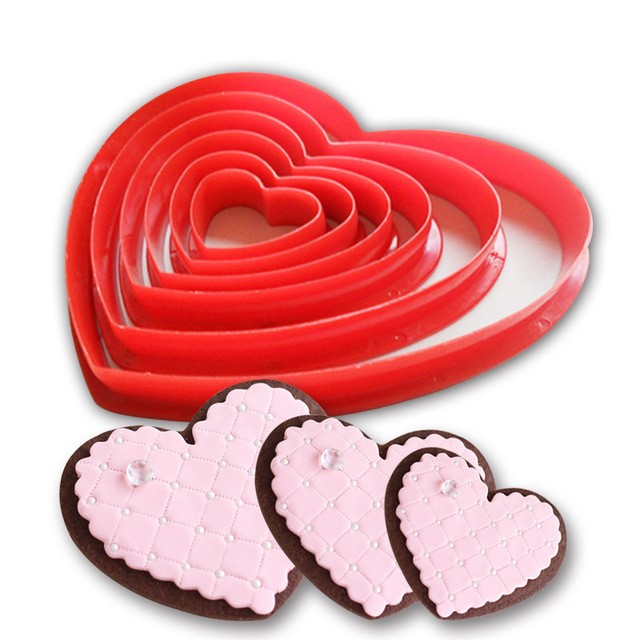 Lovely Heart Shaped Eco-Friendly Plastic Cookie Cutters Set