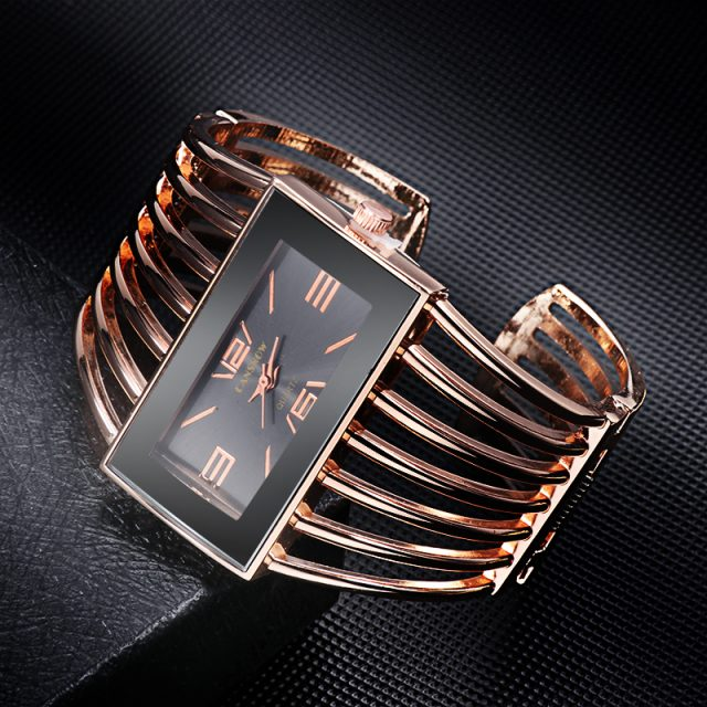Luxurious Wristwatches for Women with Bracelet Strap