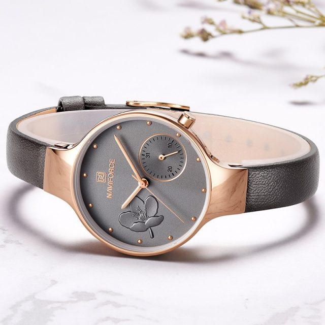 Women's Elegant Leather Quartz Watch