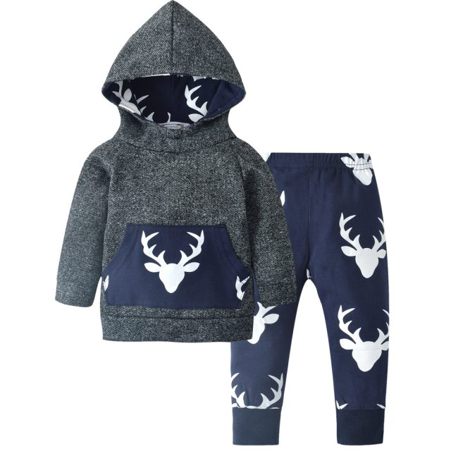 Boys' Cute Hooded Cotton Clothes Set with Deer Themed Pattern and Large Pocket